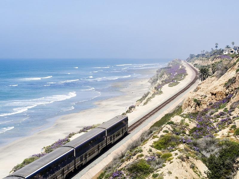 Treno Amtrak Pacific Surfliner: California, Stati Uniti